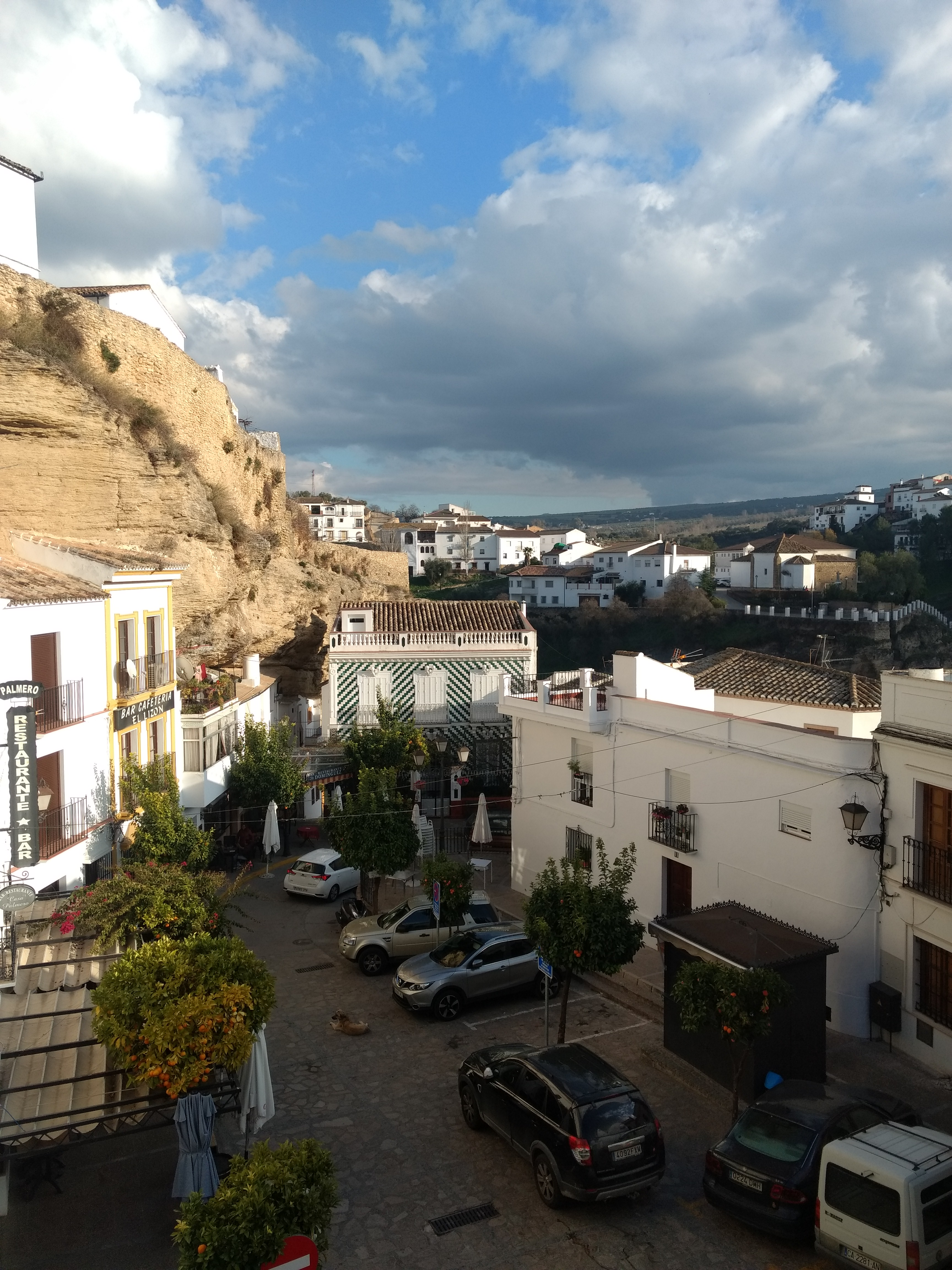 Plaza in Setenil from top of archway